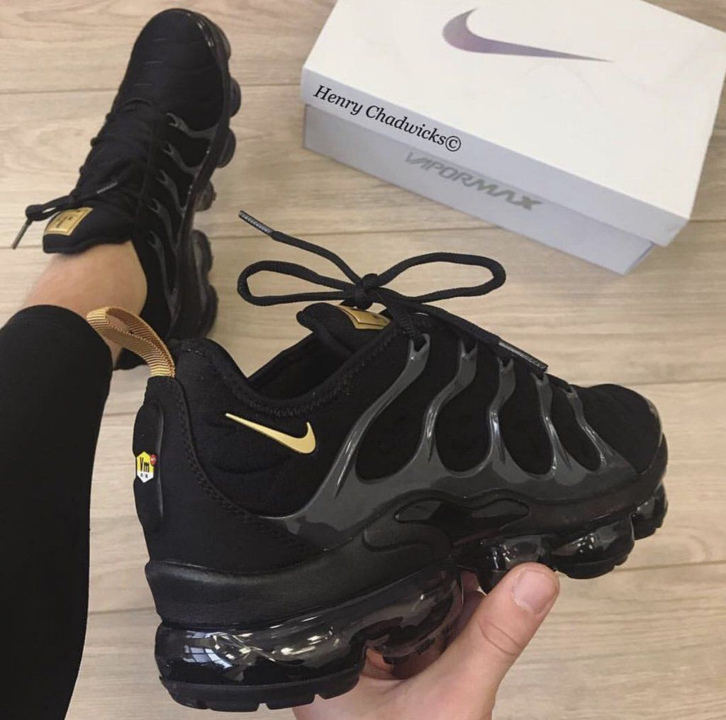 325494a9a81 Nike vapormax black white clear sole in 2019