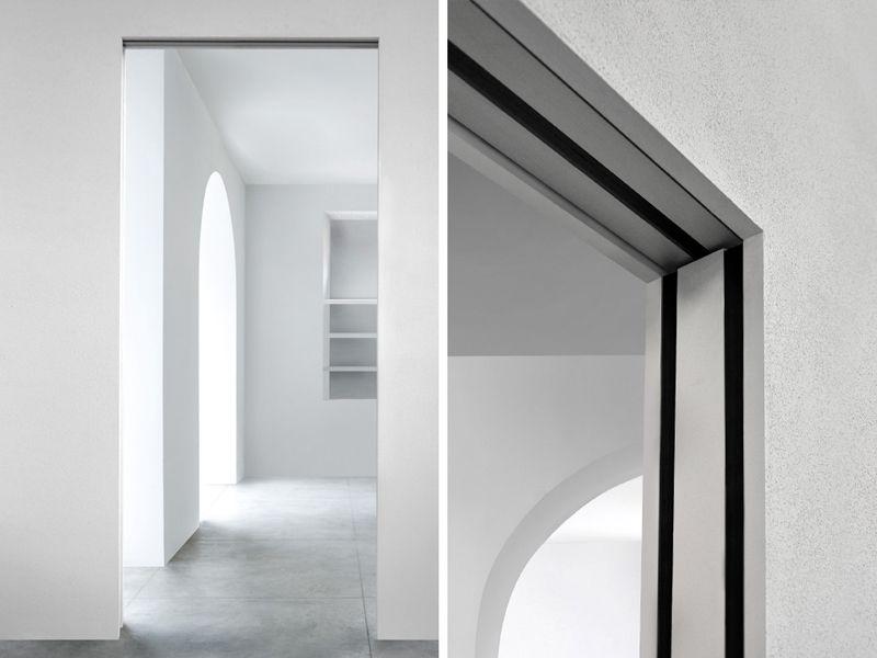 Schiebetür glas in der wand laufend  Innenlaufende Schiebetür In der Wand laufende Schiebetür by L ...