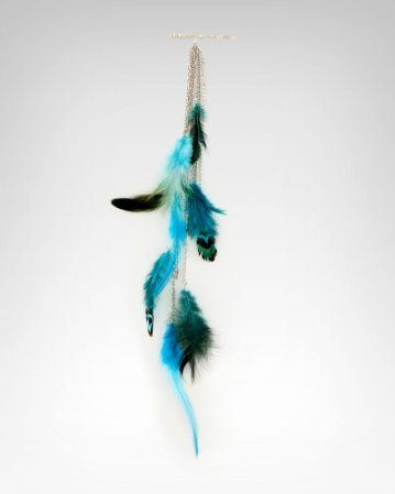 Feather clip by Bebe