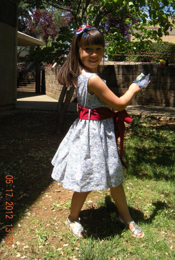 Fun and breezy 4th of July patriotic dress!  Super comfy too :)