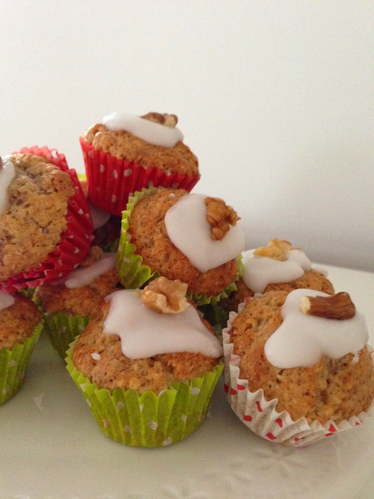 Katrins Backecke: Baumnuss-Rum Mini Muffins