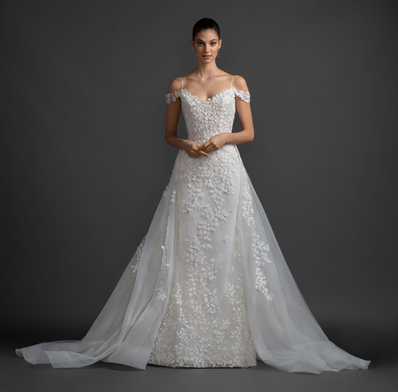 Cold Shoulder A-line Floral Lace Wedding Dress