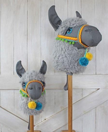 llama ride on toy stick horse hobby horse bestell deko. Black Bedroom Furniture Sets. Home Design Ideas