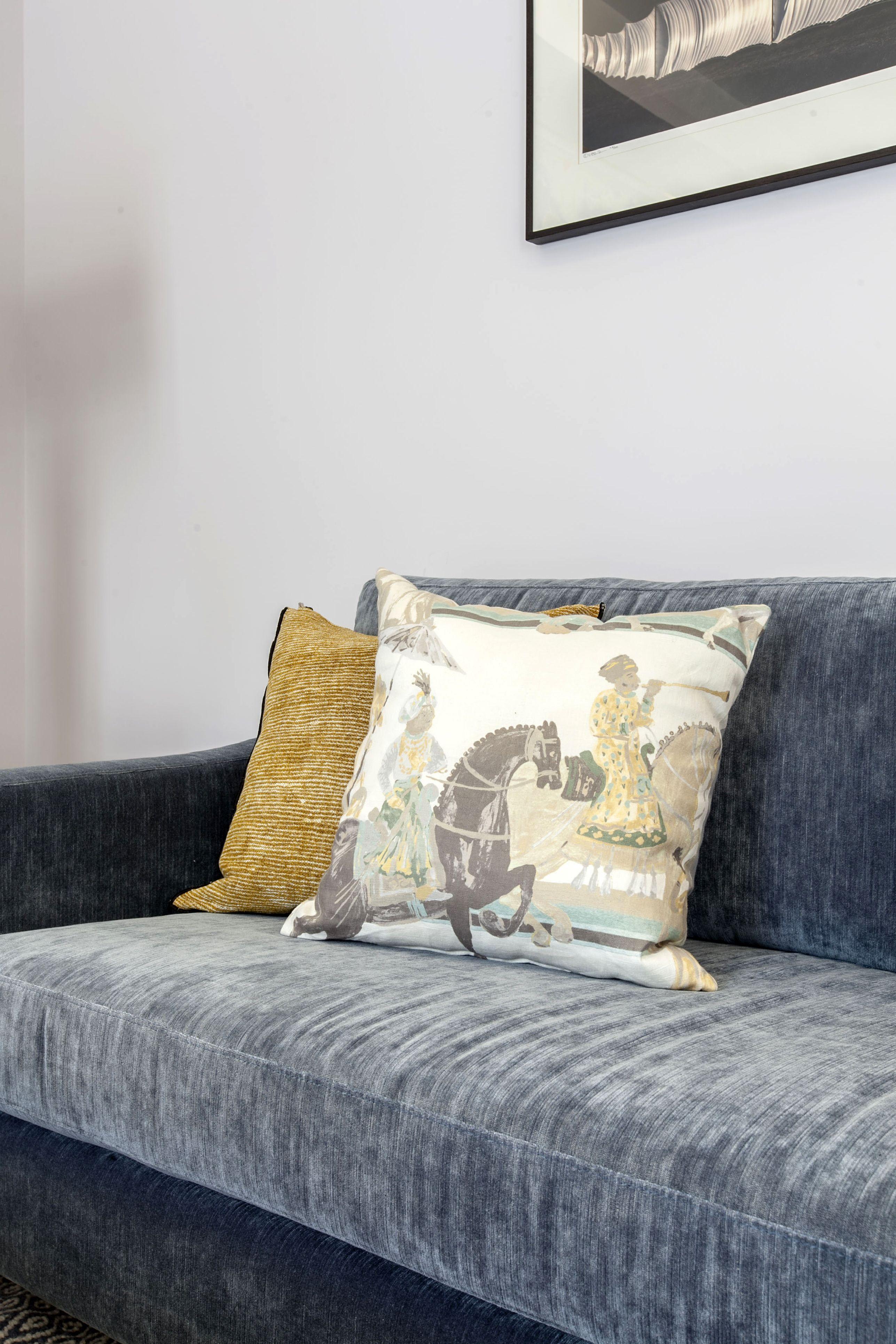 Laura GÄrna Steel Blue House Living Room S Details