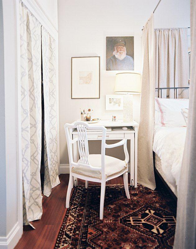 Sketch of Simple Small Bedroom Desks | Bedroom Design Inspirations ...