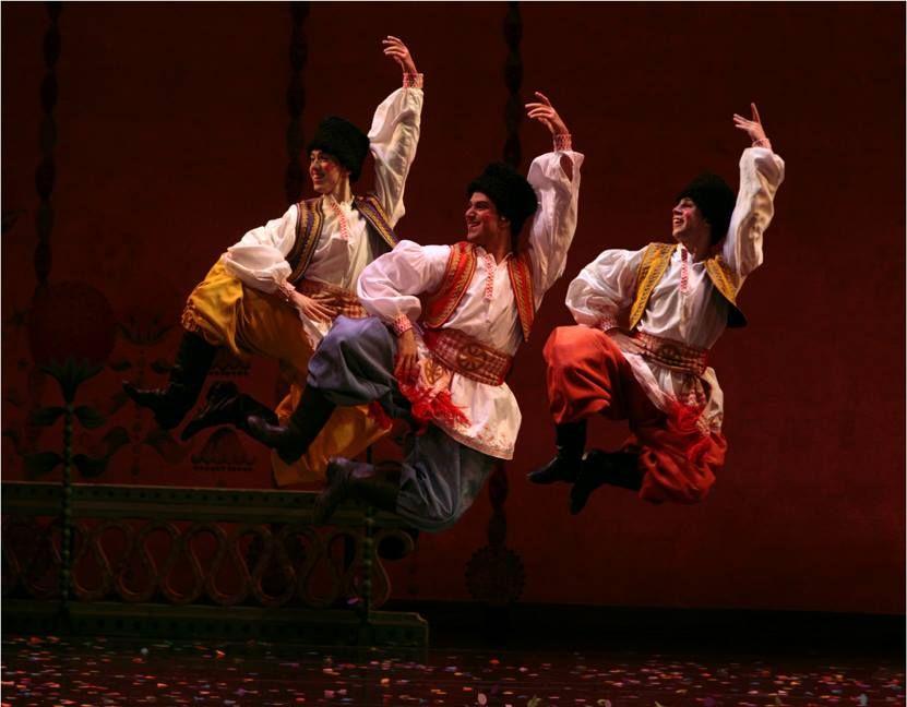 The Russian Trepak In The Joffrey Ballet S Nutcracker Act 2 Photo By Herbert Migdoll Joffrey Ballet Nutcracker Ballet Nutcracker