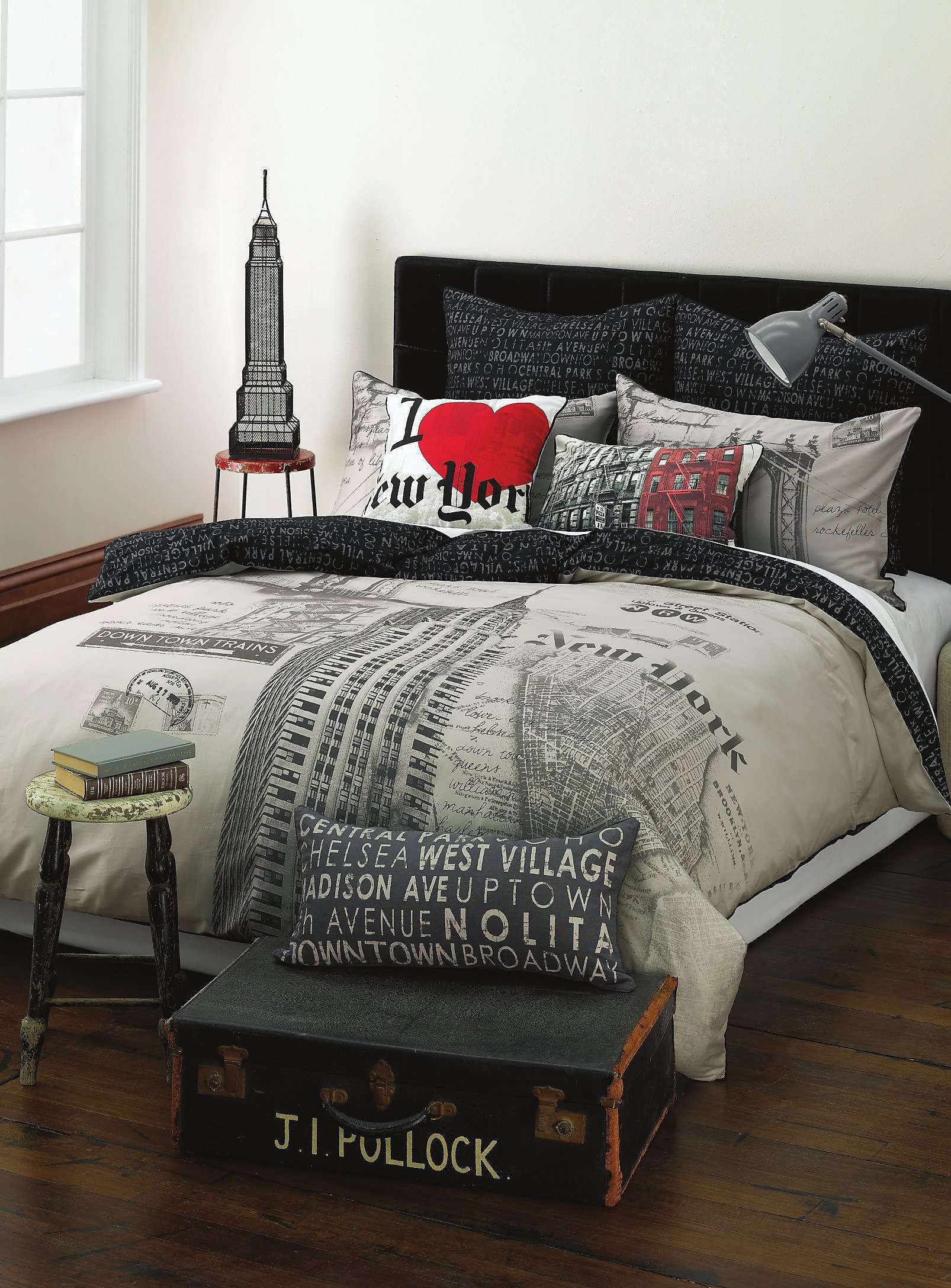 New York Duvet Cover Set Maison Simons New York Bedroom