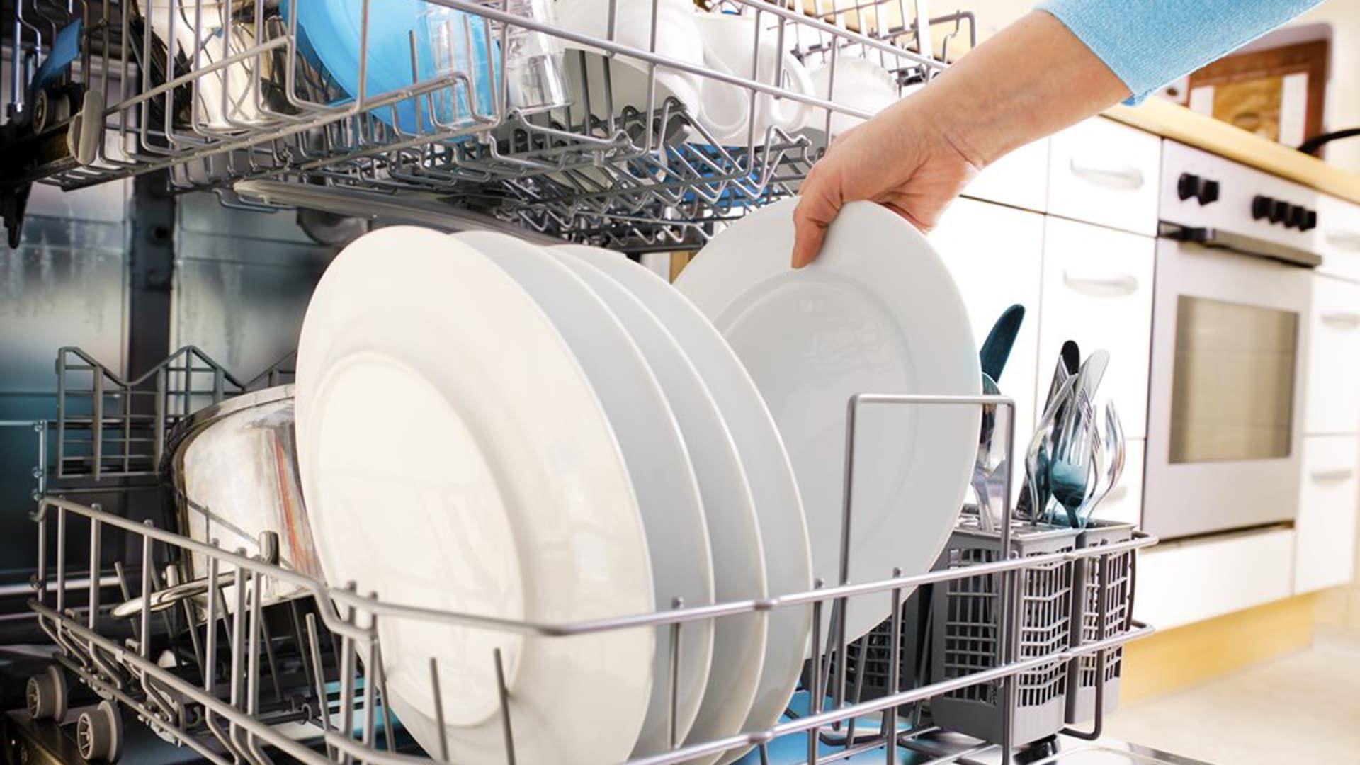10 Cose da Non Lavare Mai nella Lavastoviglie