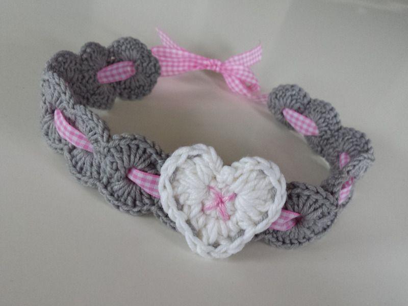 Gehäkeltes Baby-Haarband im Trachten-Look von Sabina´s Atelier auf DaWanda.com #babyhairaccessories