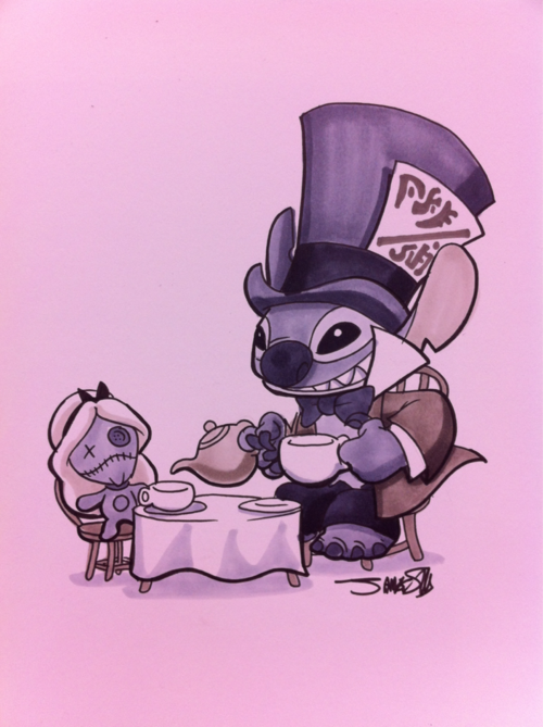 Stitch As The Mad Hatter And Scrump As Alice This Would Be A Cute Halloween Poster Stitch Disney Disney Drawings Lilo And Stitch