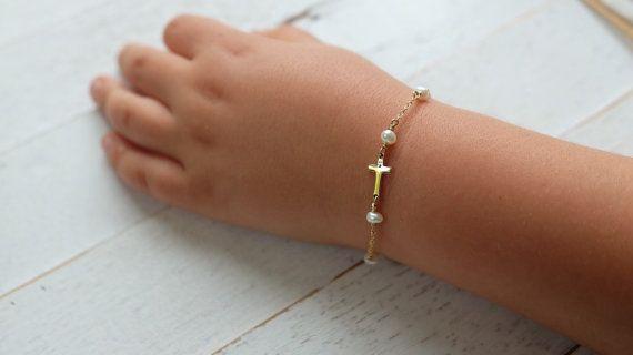 Baby baptism Bracelet,Cross Baby Bracelet,Baptism Jewelry,Pearl Baby Bracelet,Godchild Gift,Baby Girl Cross Jewelry,dedication gift