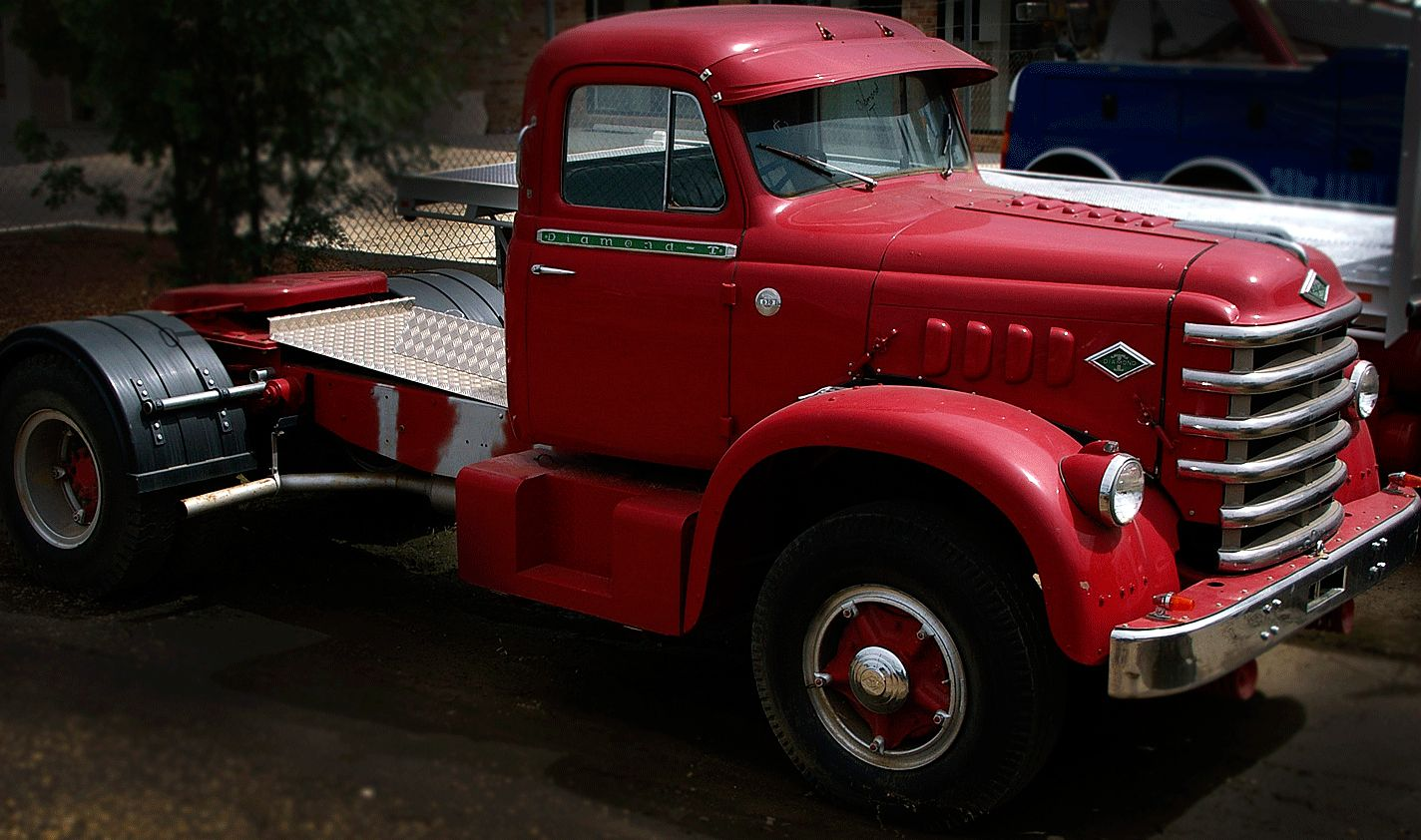 Diamond t truck applique heavyhauling