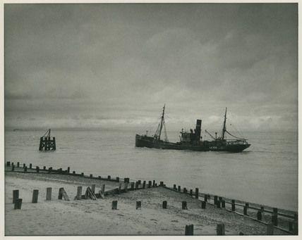 Edward Chambre Hardman Trawler Lo 340
