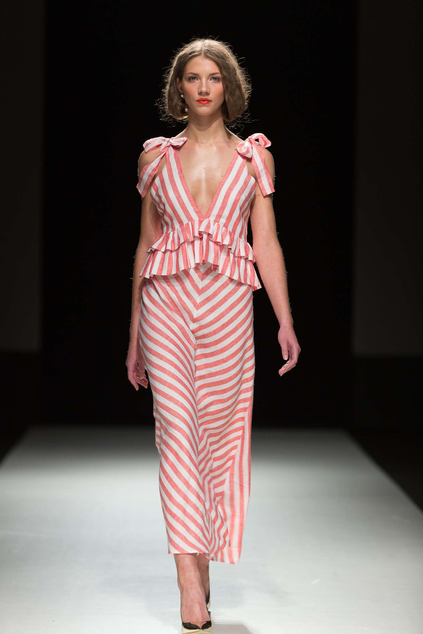 Katya Katya spring 2018   fashion design   Pinterest   Aspecto de ...