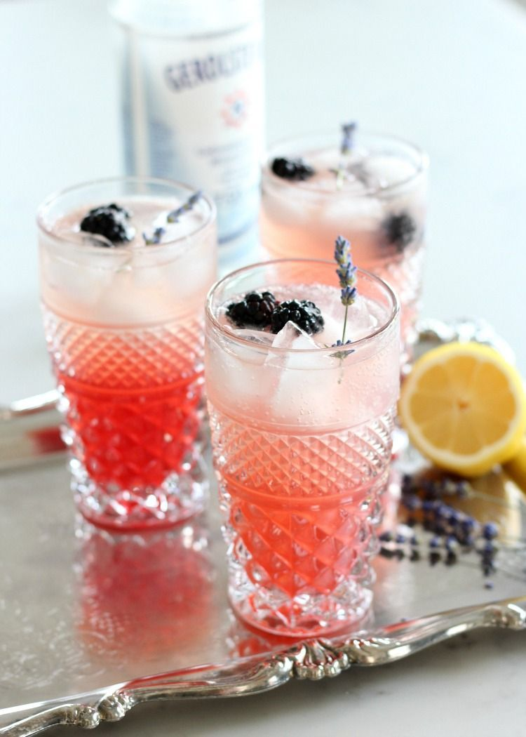 Lavender Blackberry Sparkling Lemonade #sparklinglemonade Lavender Blackberry Sparkling Lemonade - A beautiful, delicious and refreshing summer drink recipe! #lemonade #summerdrink #lavender #sparklinglemonade