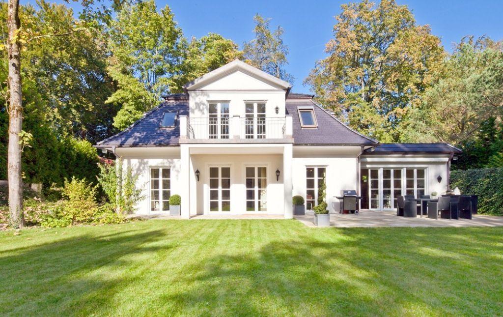Elegante Villa im französischen Landhausstil in Grünwald