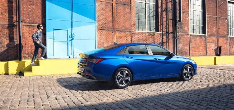 هيونداي إلنترا 2021 الشكل الجديد حجم أكبر وتقنية راقية Elantra New Elantra Hyundai