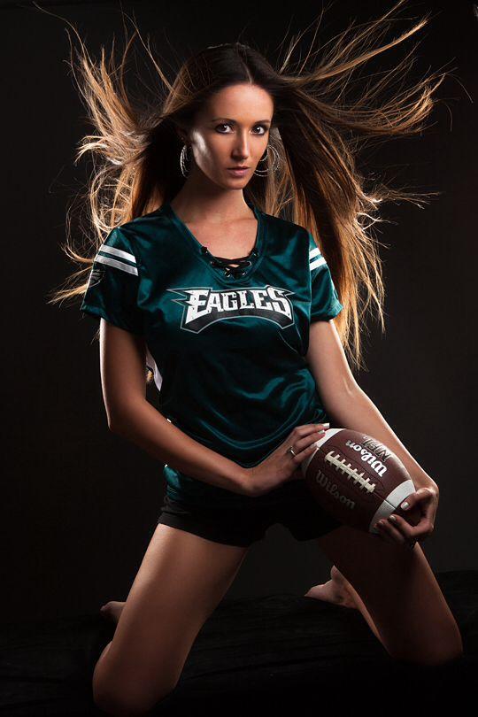 Sports Theme Idea For Shoots Sports Philadelphia Football Model Modeling Photoshoot Theme Fitness Photoshoot Sport Girl Photoshoot Themes