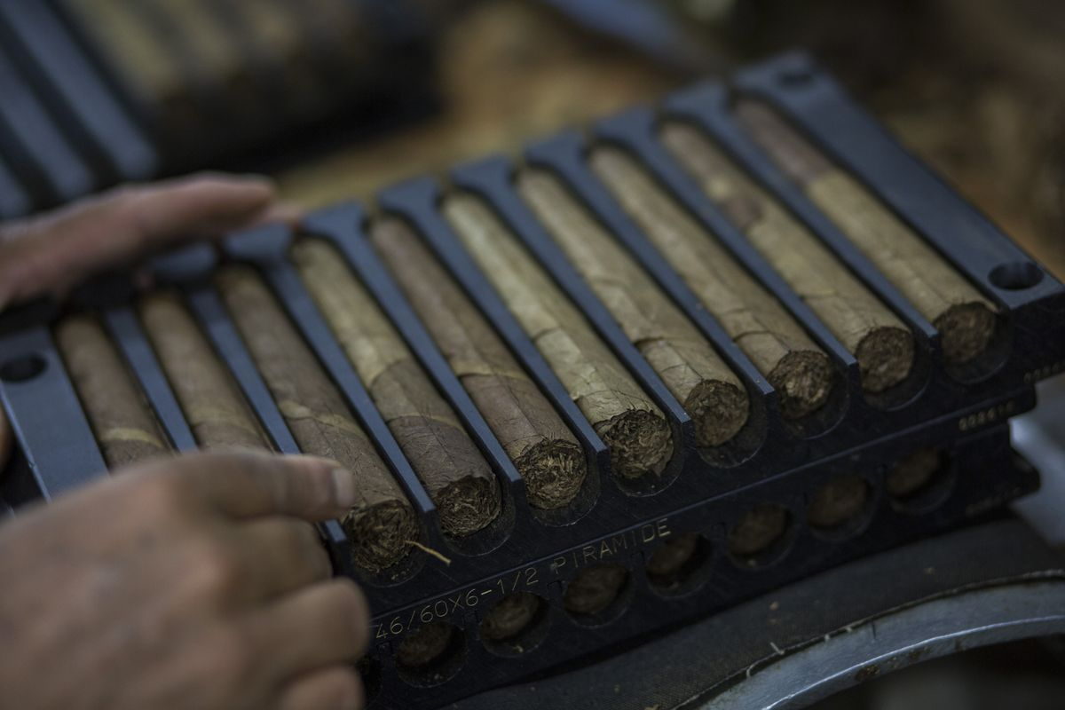 Caribbean cigar makers turn to the european and chinese