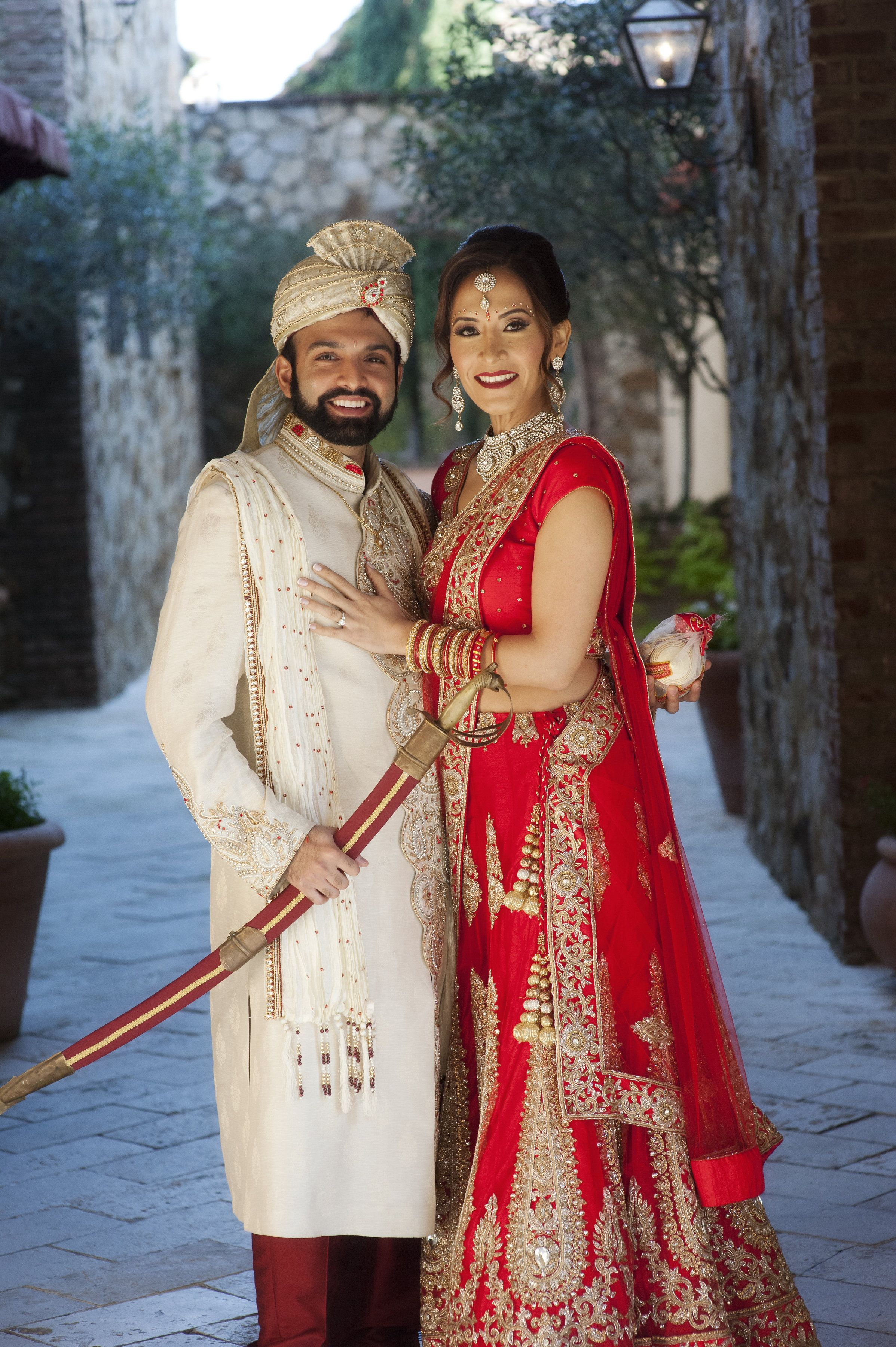 This Bride And Groom S Traditional Indian Wedding Attire Left Us Speechless Bride Style Groom Style Traditional Indian Wedding [ 3600 x 2395 Pixel ]