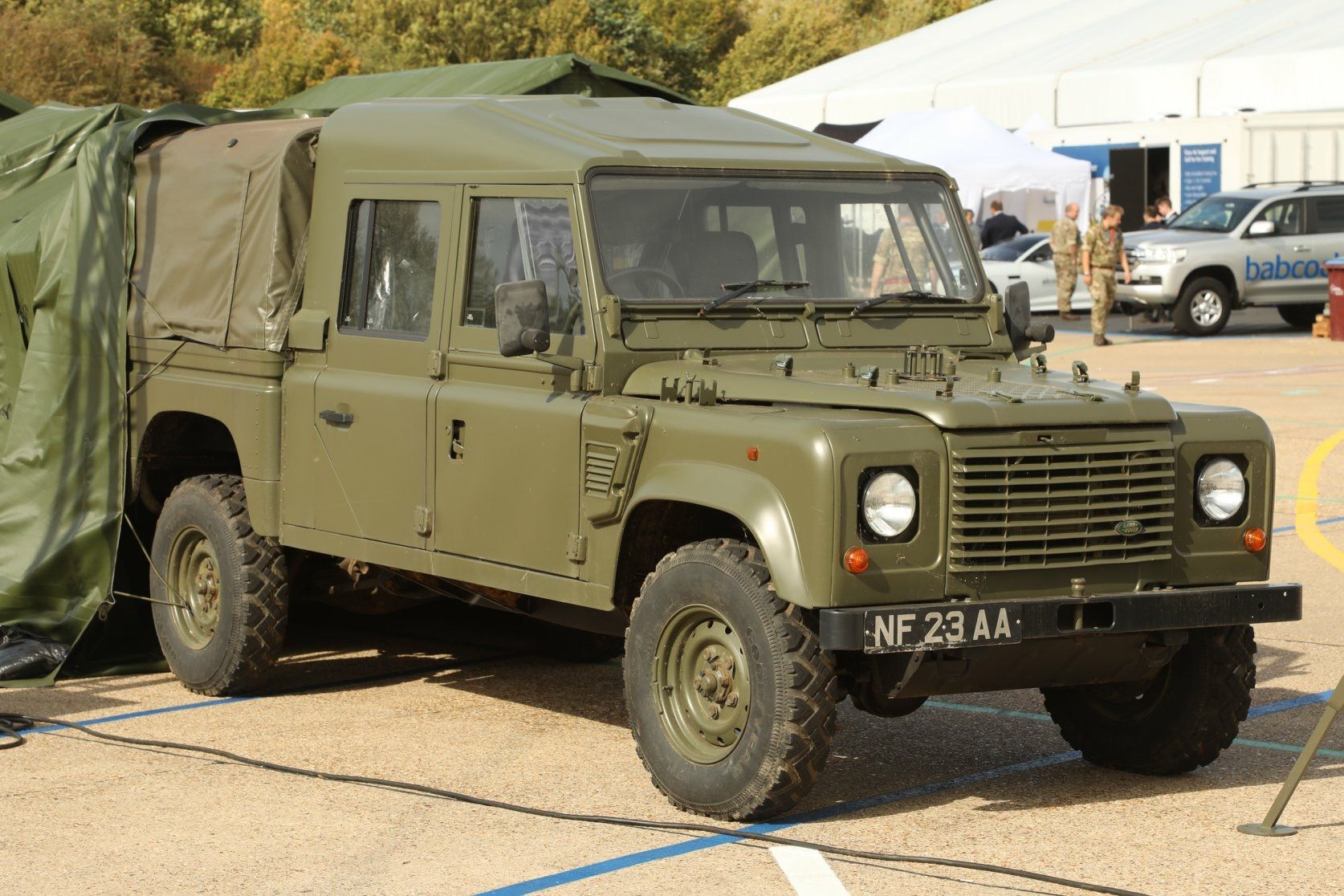 Double Cab Military Defender Land Rover Expedition Vehicle