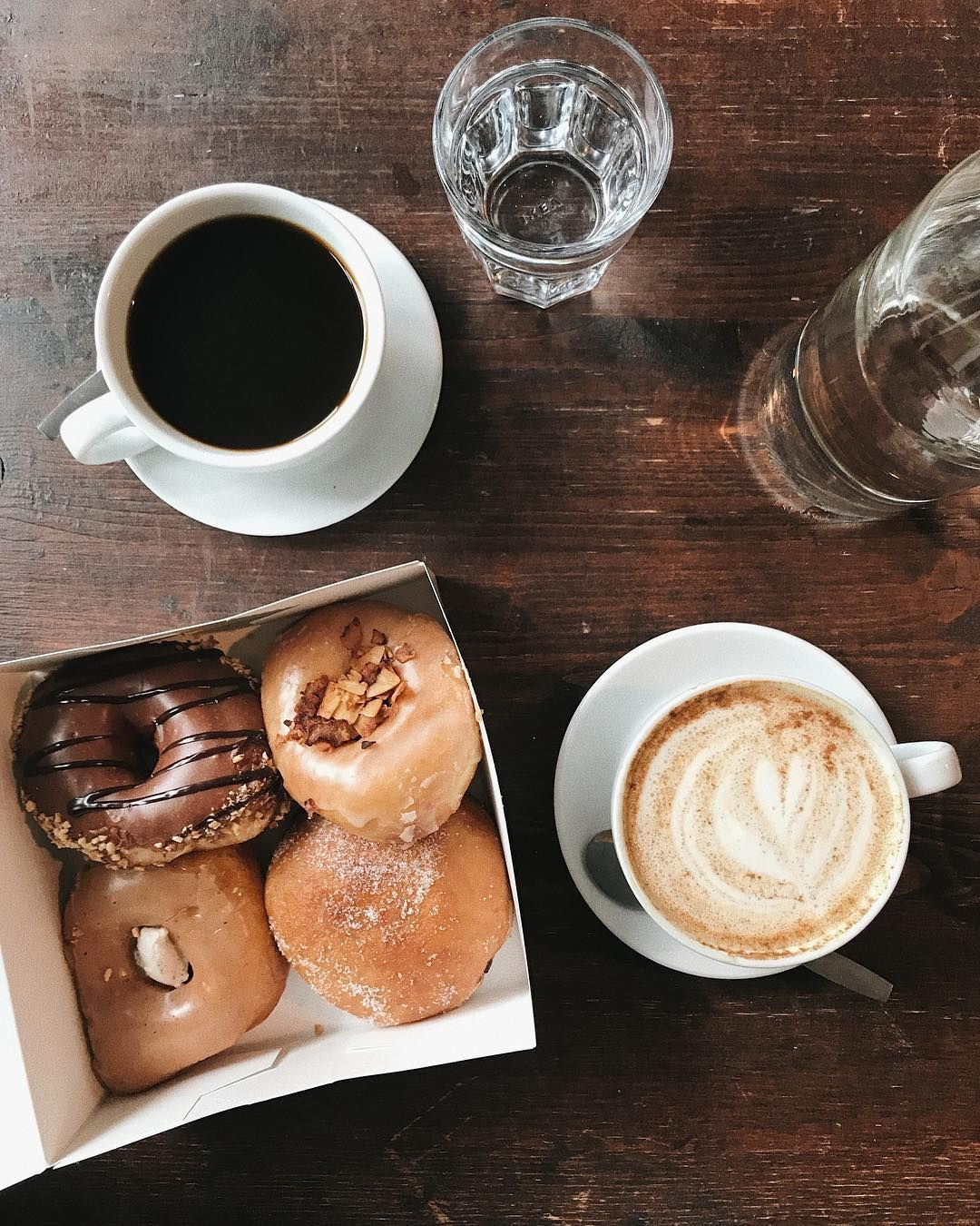 The best donuts & pumpkin spice latte I've ever had courtesy of : @brammibalsdonuts Already planning a trip to Berlin to go back to this place (and many others)