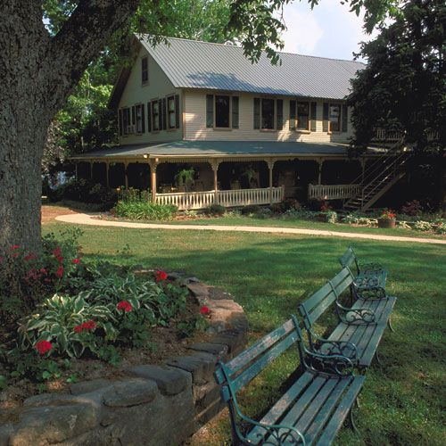 photo bed north cabins ga mountains agreatertown georgia house rental dahlonega for vacation in