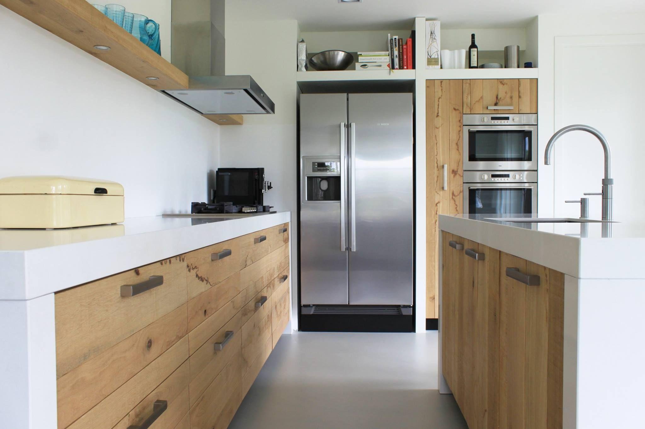 Afbeeldingsresultaat voor witte keukenblad houten kast is