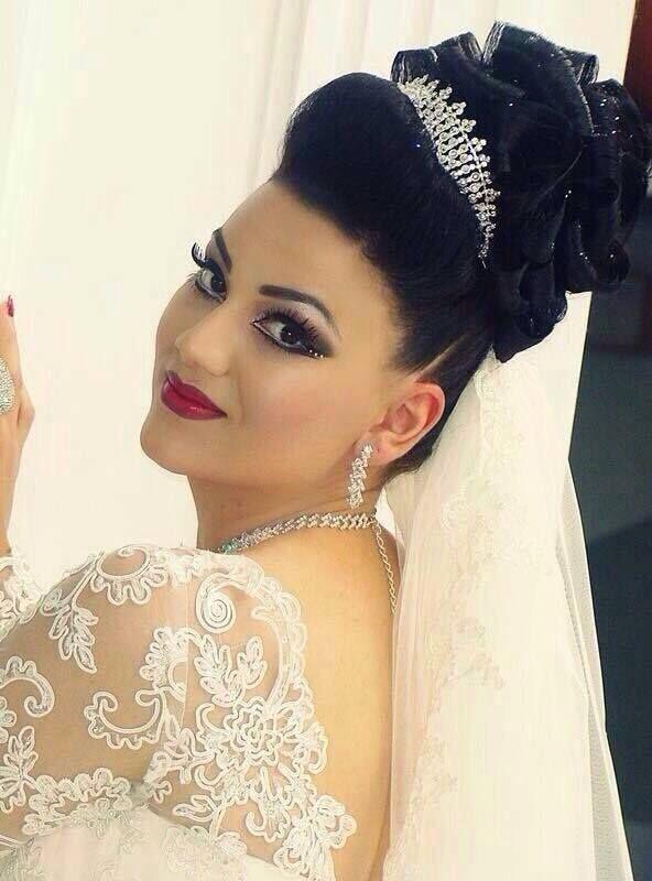 Pin von Zsófia Pink auf Wedding Hair and Dresses_2 | Pinterest