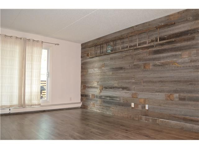 Laminate Flooring Wall Feature Google Search Flooring On Walls