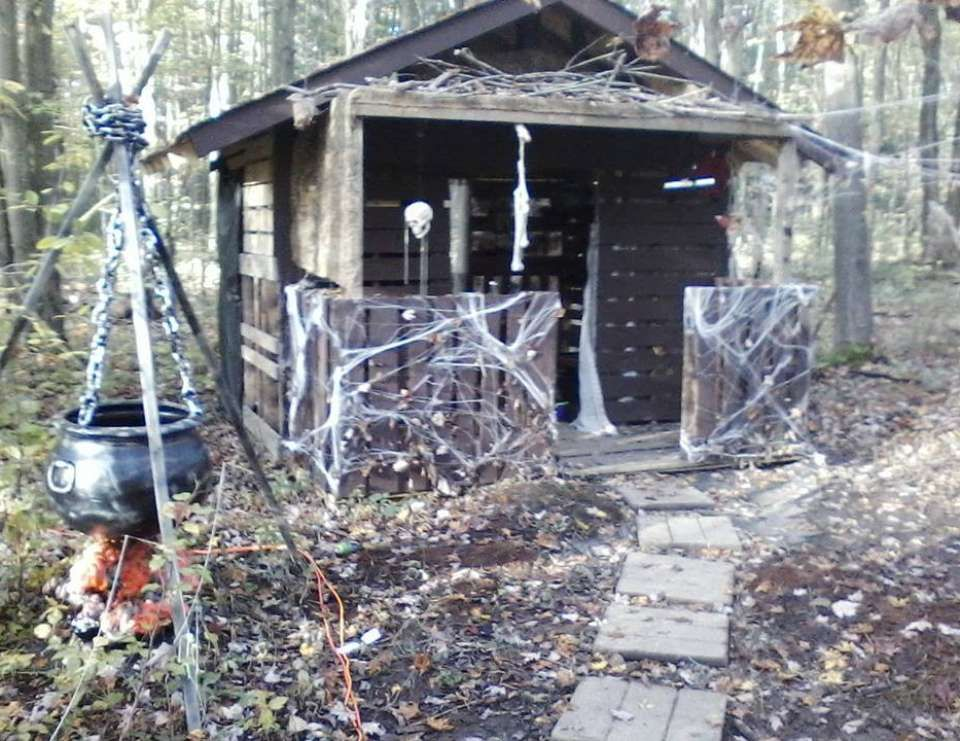 Halloween / Halloween \ - halloween haunted house ideas