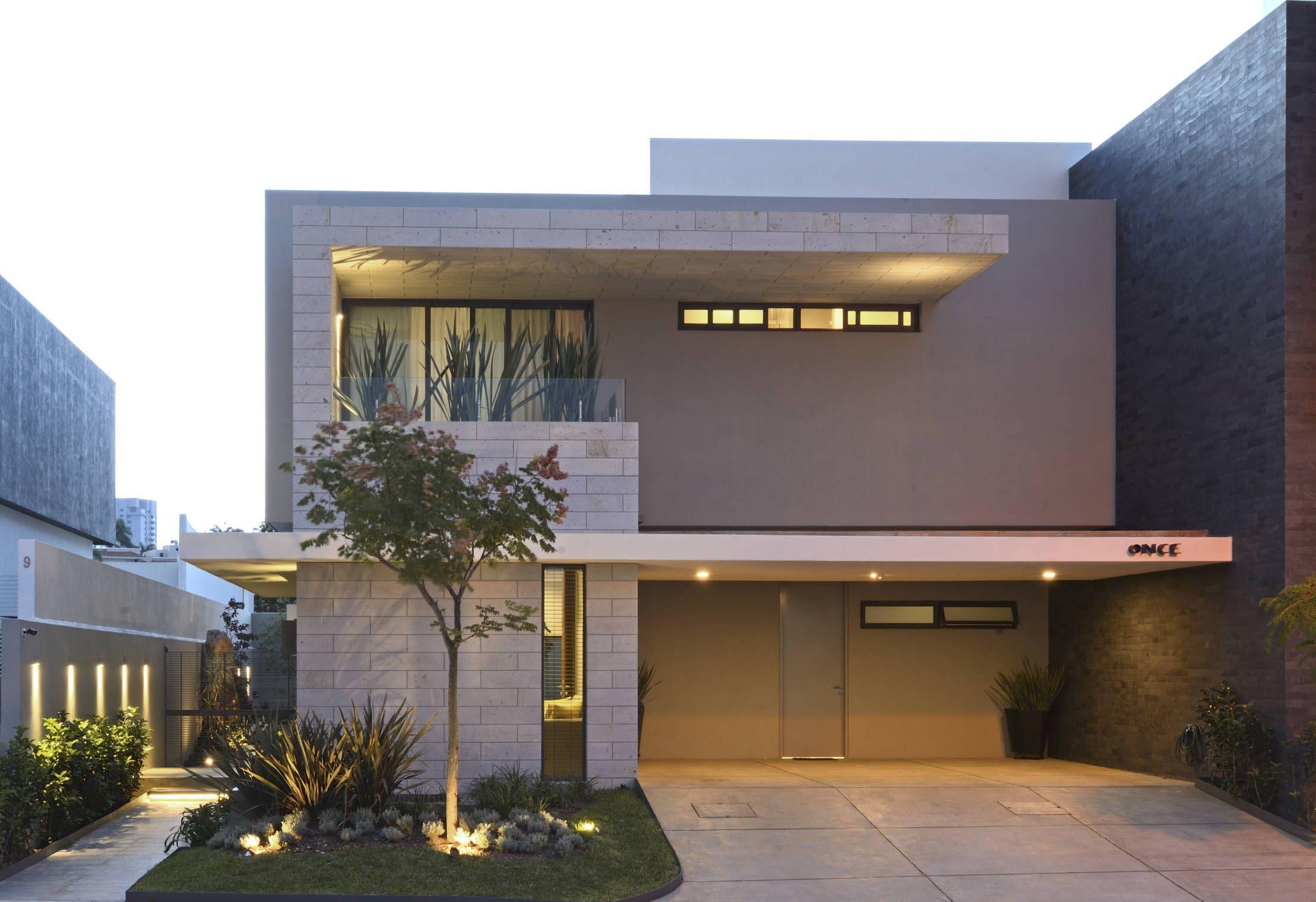 Una casa moderna con un interior realmente hermoso | bardas y ...