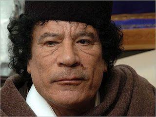 O ditador líbio Muamar Kadafi, o próximo a cair