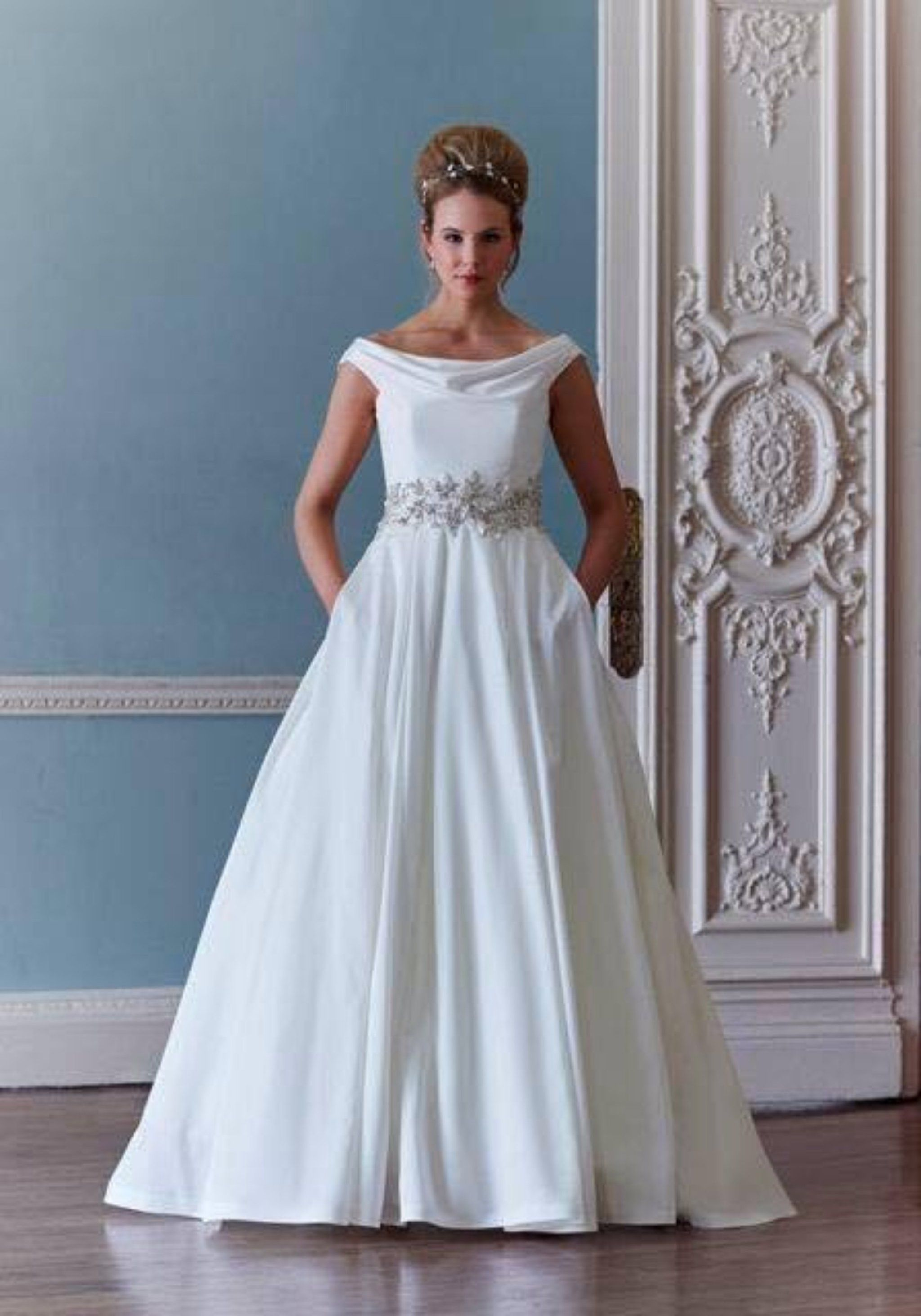 SASSIE HOLFORD MISCHA | WEDDING DRESSES IN THE SHOP - CHEAP,PRELOVED ...