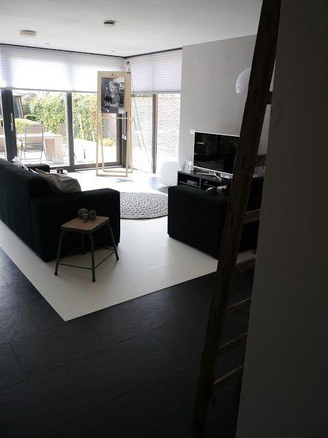 A DIY budget plan to make the room brighter. White vinyl@homemarit