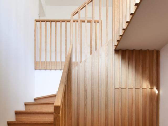 Houten trap • renovatie • reliëf • Architecten: Gouden Liniaal