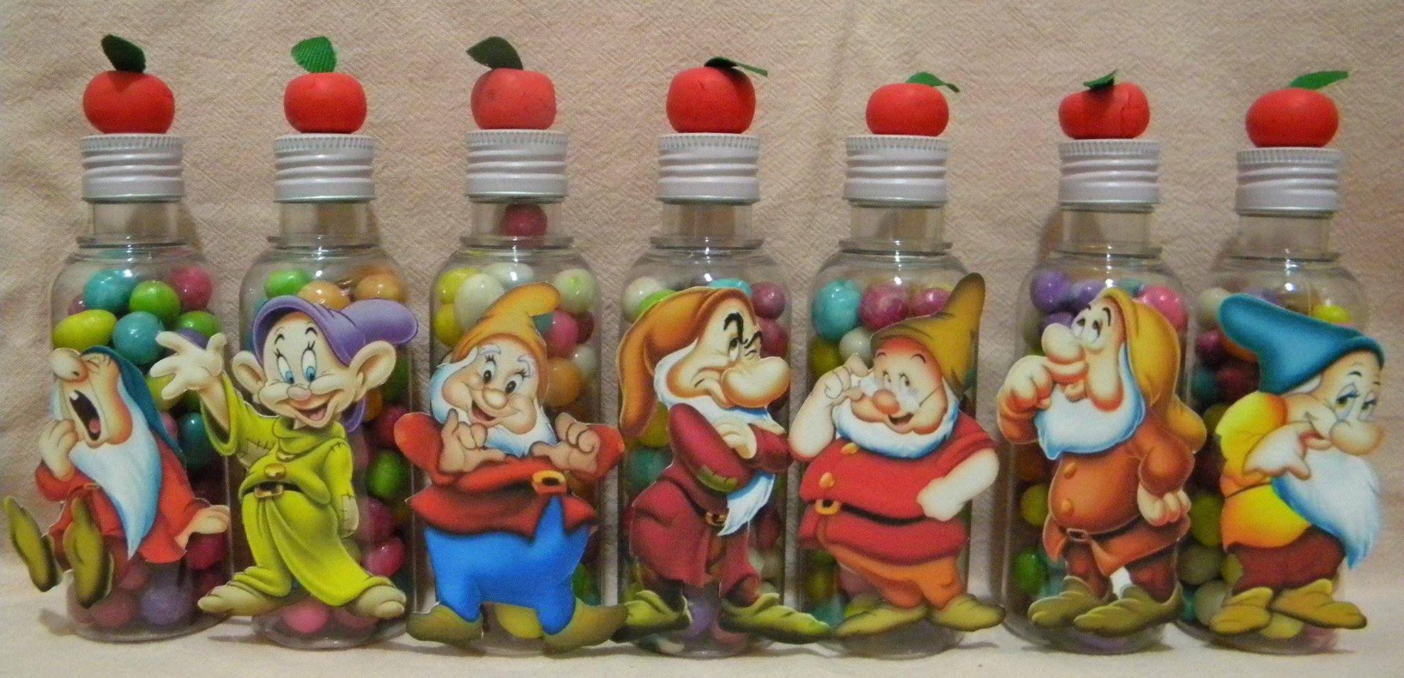 mini garrafas com confeitos - Branca de Neve e o 7 anões