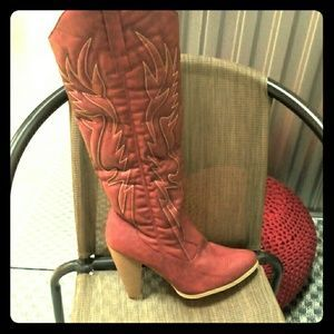 I just discovered this while shopping on Poshmark: Cowboy boots. Check it out!  Size: 9