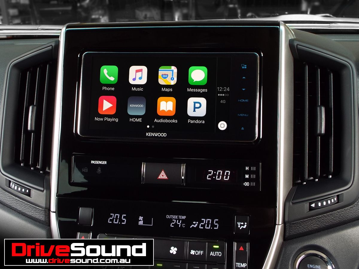 200 Series Toyota Land Cruiser with Apple CarPlay