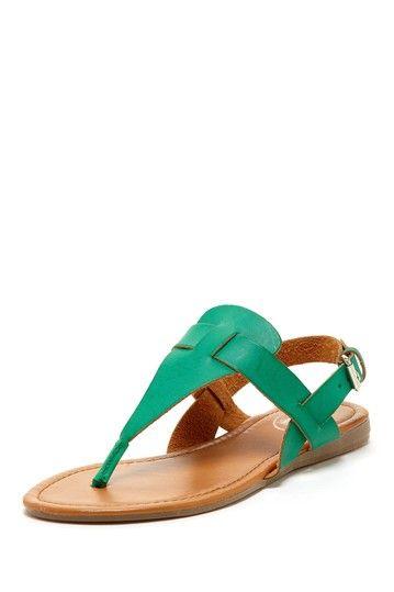 235d22107 Flat Sandal