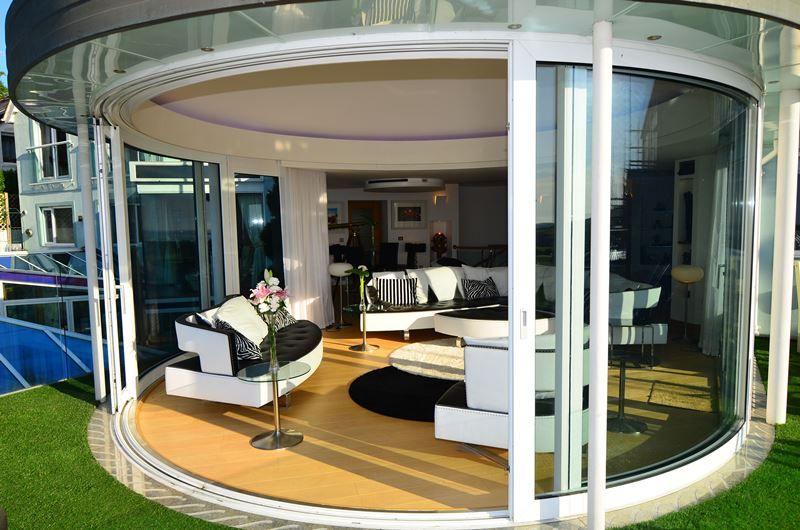 Curved Glass Sliding Doors Http Www Balconette Co Uk Maison Moderne Maison Baie Vitree