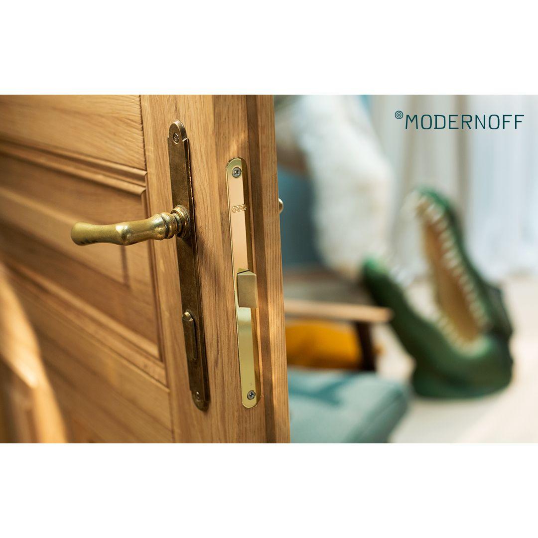 Tradycyjne drzwi drewniane