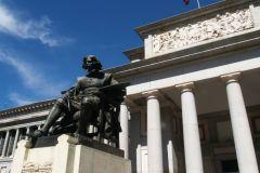 Descubre el quilómetro más artístico de Madrid, situado en el Paseo del Prado y presidido por los museos de arte más destacados de la capital. ($1.99)