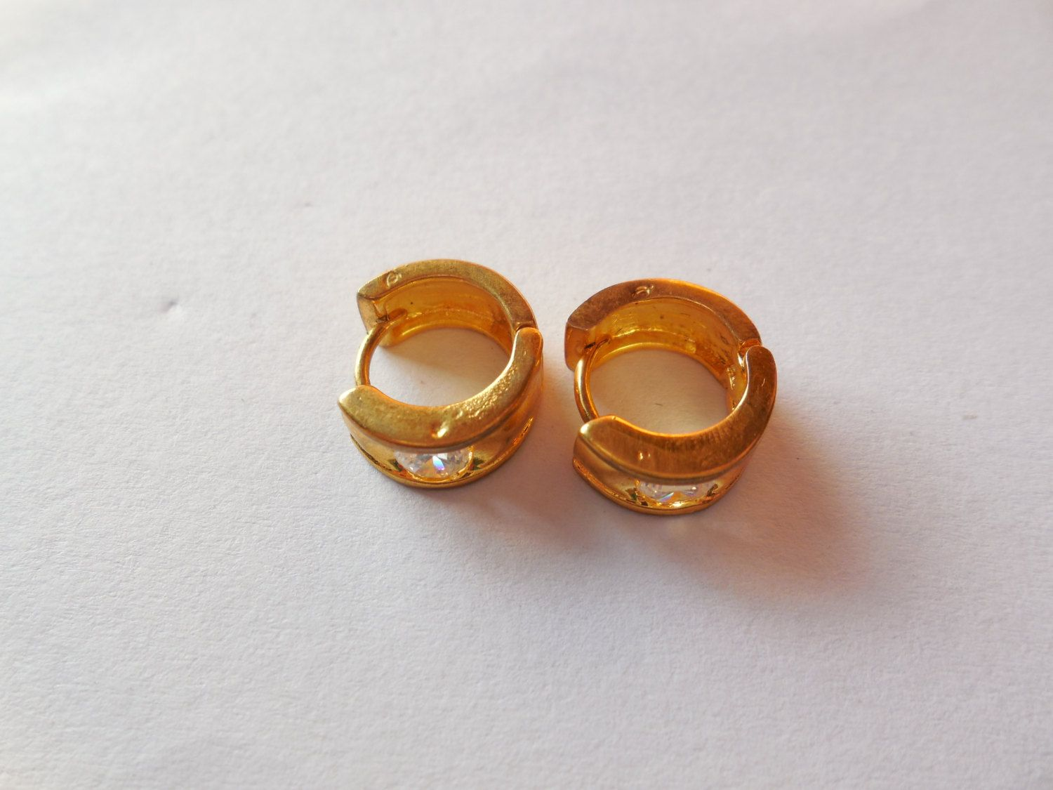 Beautiful Gold Plated Gemstone Earring for pierced Ears-small size indian  Ear bali-Gold