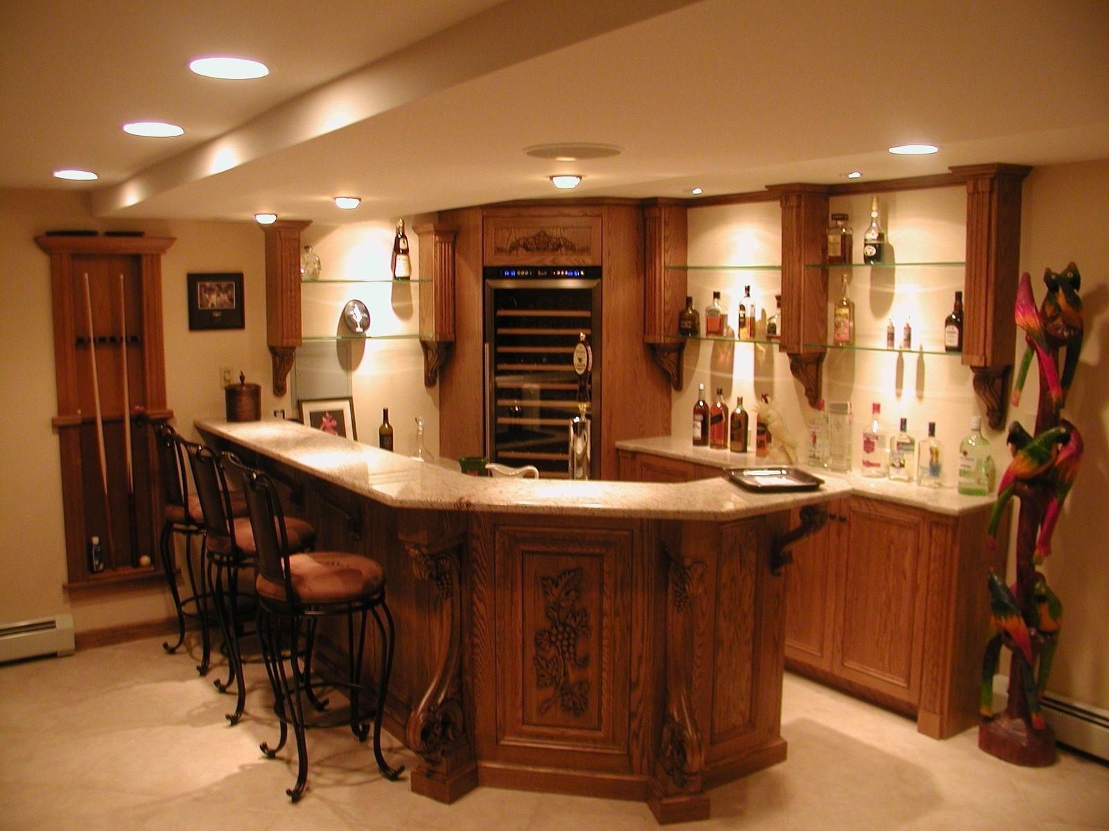 Oak Bar With Granite Top And Enkeboll Mouldings Basement Bar Designs Basement Colors Granite Tops