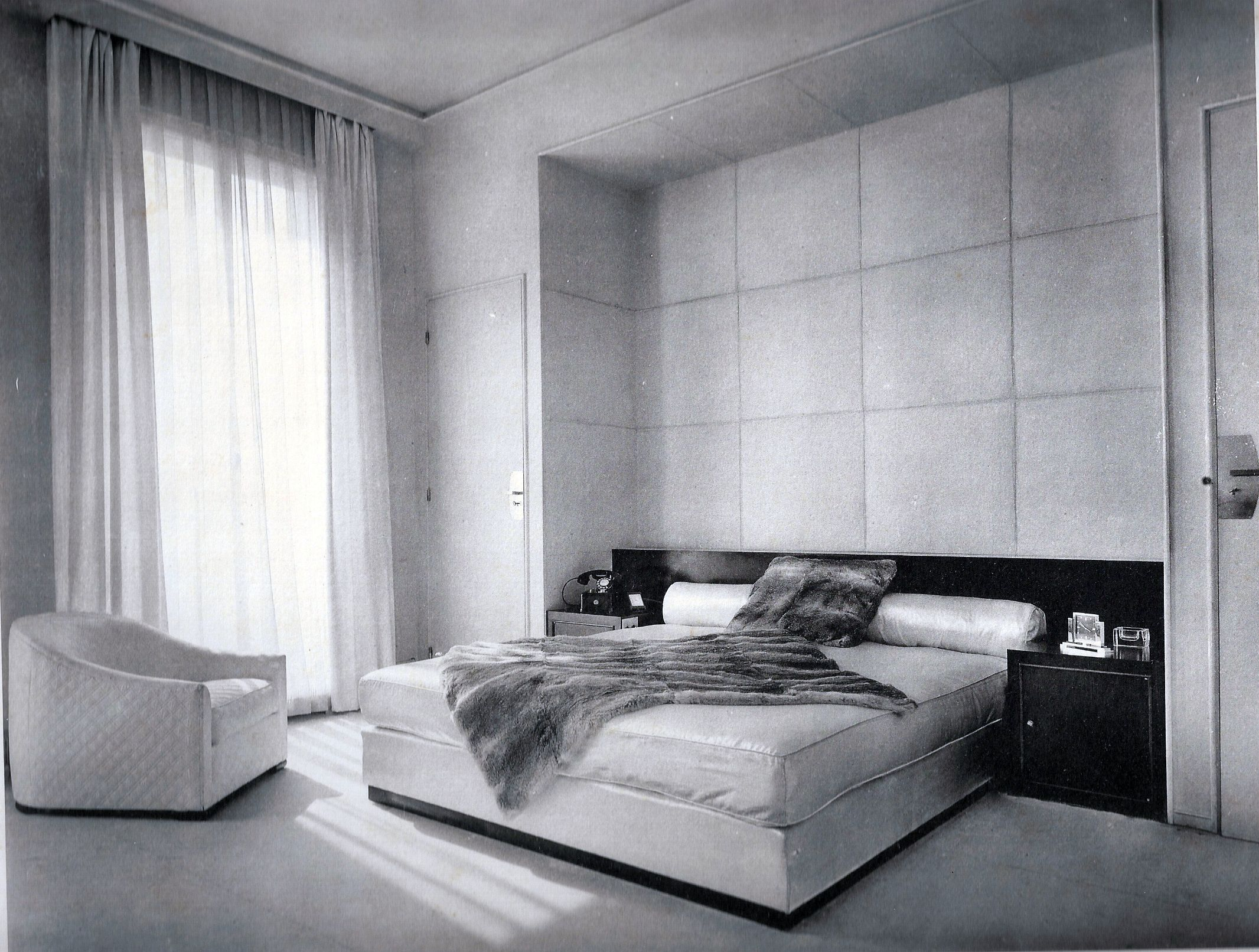 Art deco bedroom dupre lafon paris 1930 art deco for Deco interiors