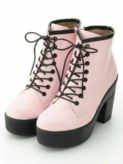Iŋɬɛgɛʂɬ Iiiannaiii Model Sepatu Sepatu Kets Wanita