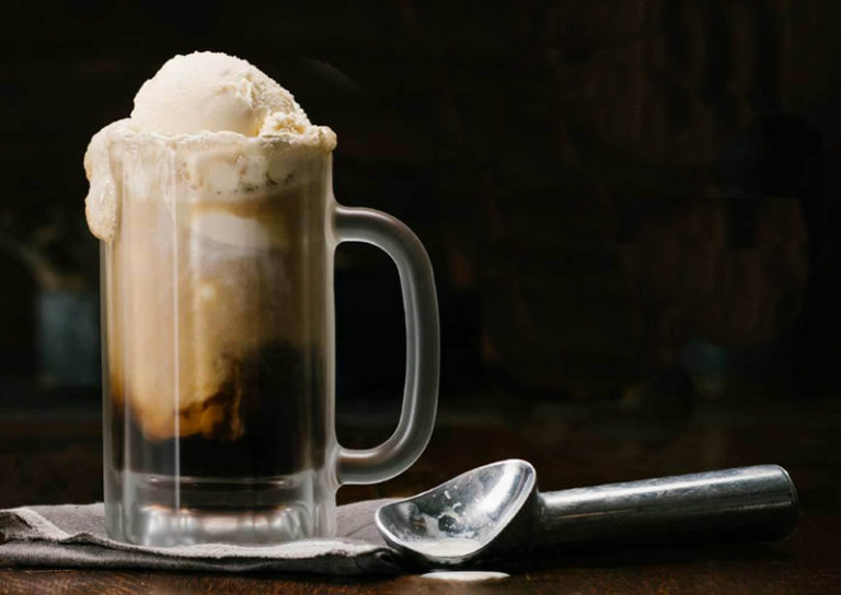 Root Beer Floats For Everyone On National Root Beer Float Day Rootbeerfloat Root Beer Floats For Everyone Root Beer Float Root Beer Float Recipe Floating Day
