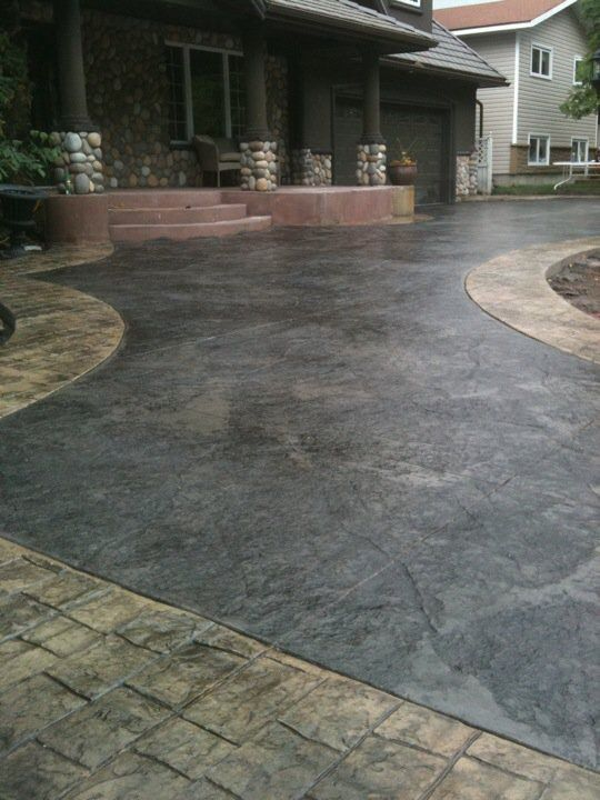 Stamped Driveway With Stone Skin Texture Cobblestone Stamp Border