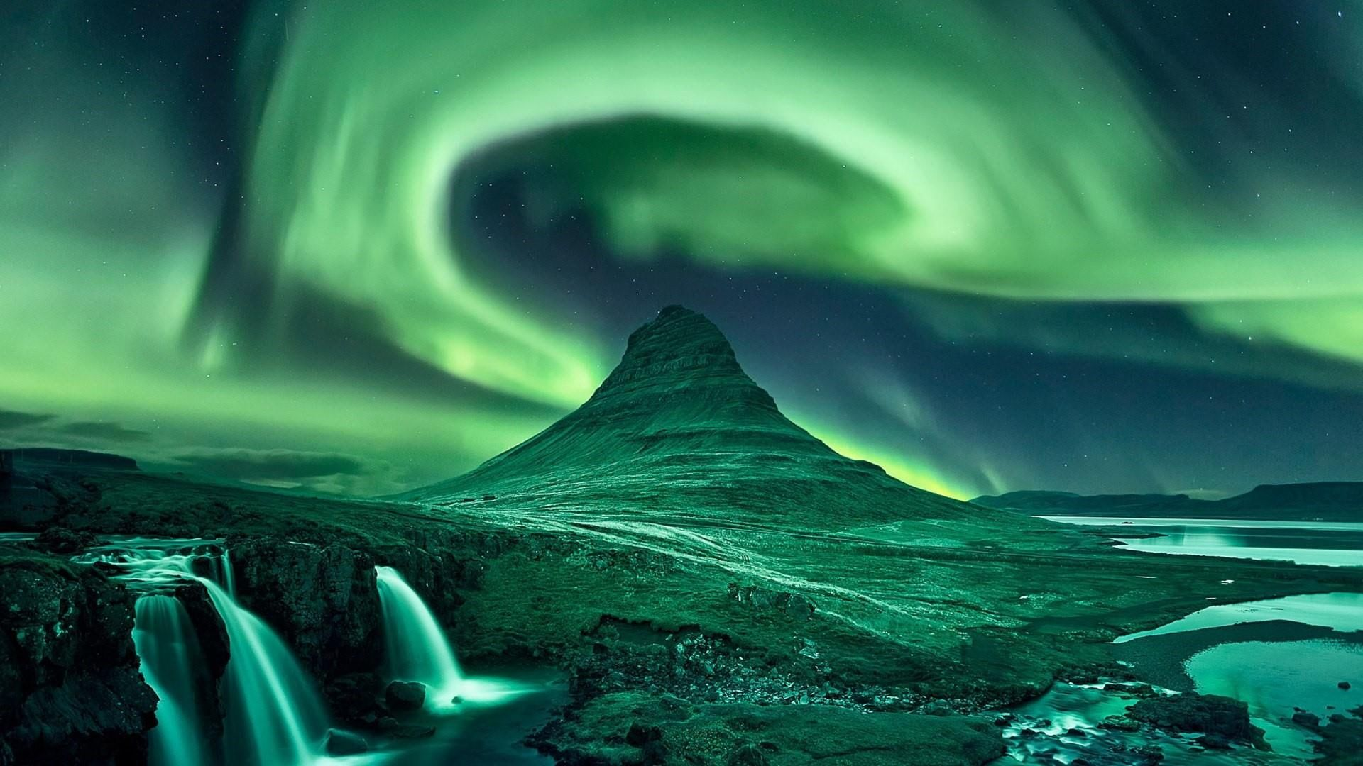 Northern Lights Aurora Borealis Kirkjufell Grundarfjorour Iceland Polar Lights Nature Atmosp In 2020 Aurora Borealis Aurora Borealis Poster Northern Lights Canvas